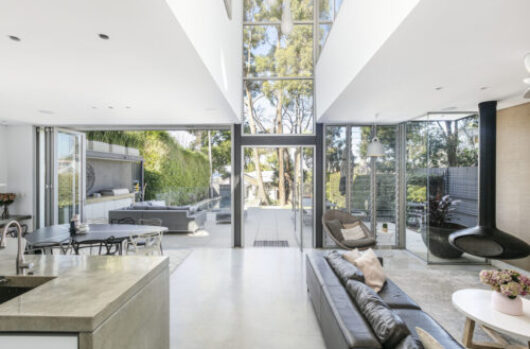 A month of high-end selling in Sydney